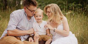 Rodzinny spacer w Częstochowie – naturalna fotografia lifestyle.